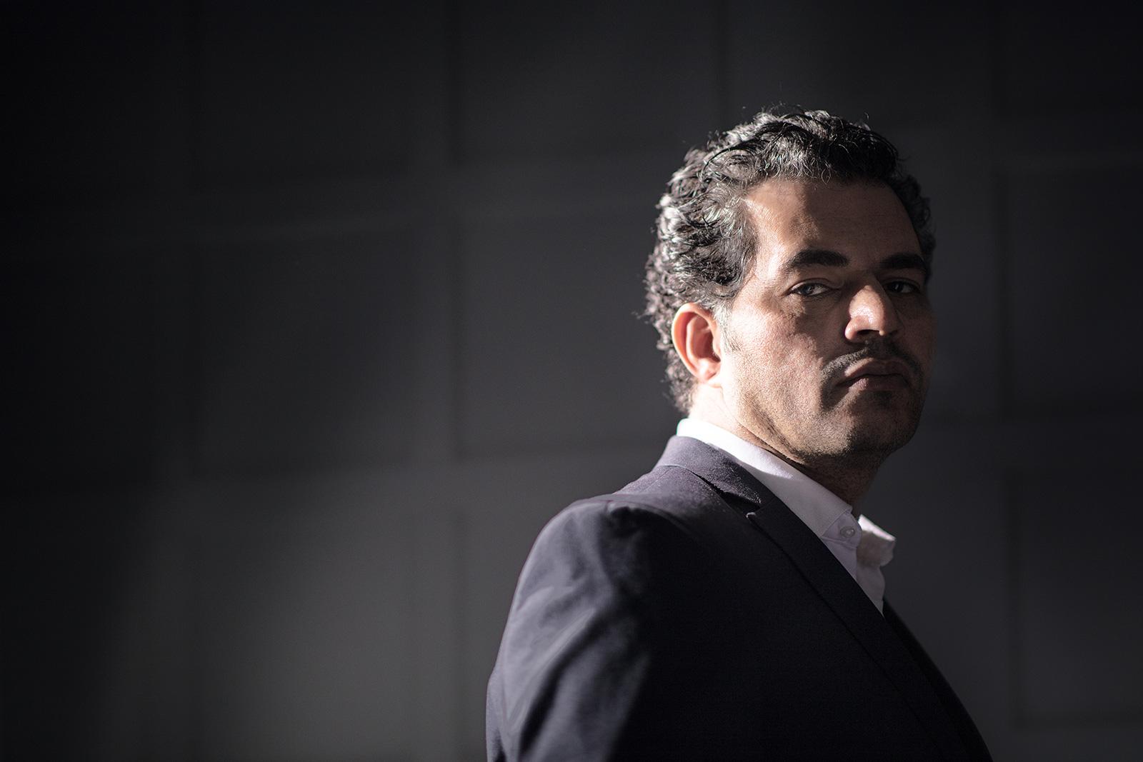 Seb Agnew – Black Cube (Portrait 1)